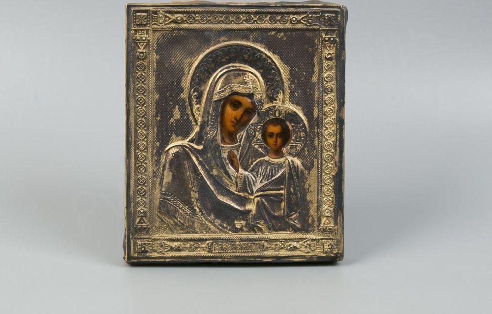 Продать икону в серебряном окладе