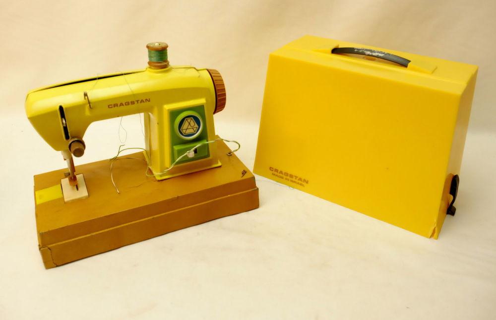 ניס בידספיריט | מכירה פומבית | מכונת תפירה לילדים אמריקאית ישנה AB-31